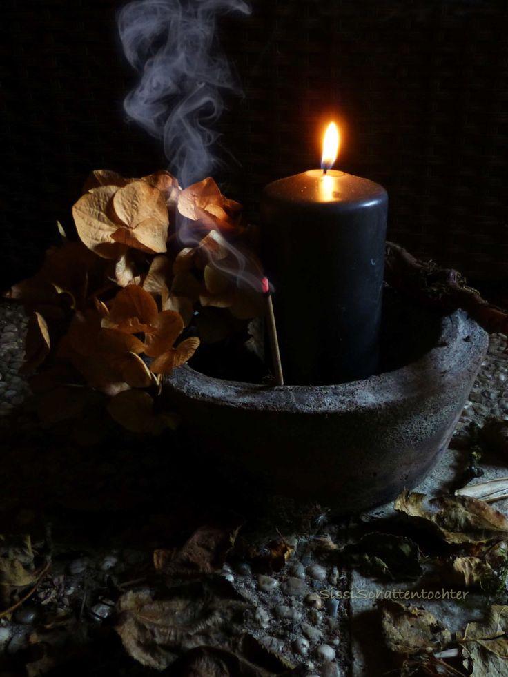 samhain-candle.jpg